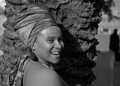 White women in africa - 3 5